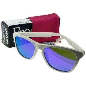 OO9245-17-54 Oakley Sunglasses NWT
